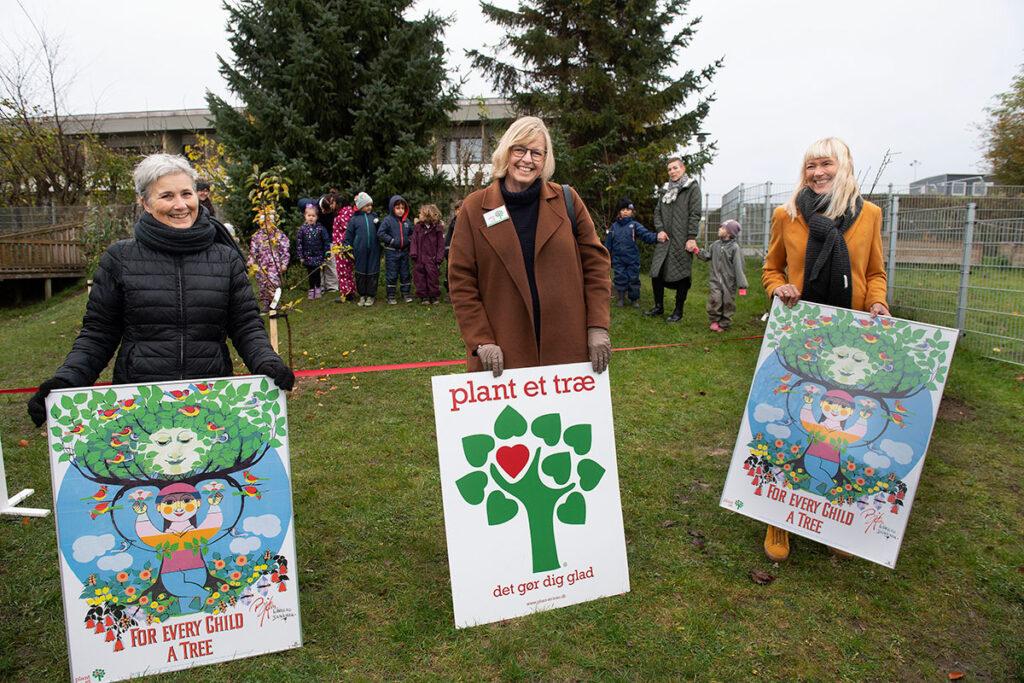 Landal-GreenParks-donerer-til-Aalborg_01